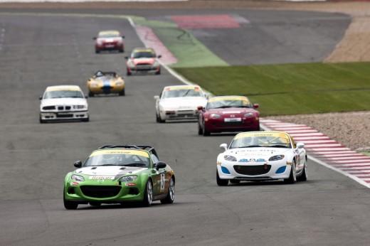 045_Mazda_Britcar_Silverstone_2013_en_jpg72