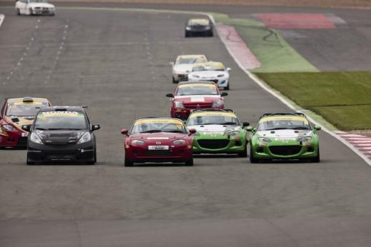 047_Mazda_Britcar_Silverstone_2013_en_jpg72