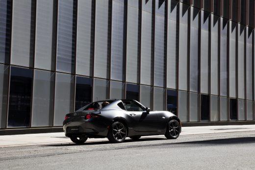 Mazda_MX-5RF_NYshowmodel_NYC001