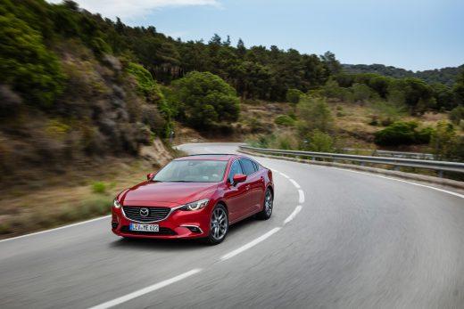 2017 Mazda6_SDN_Action (7)