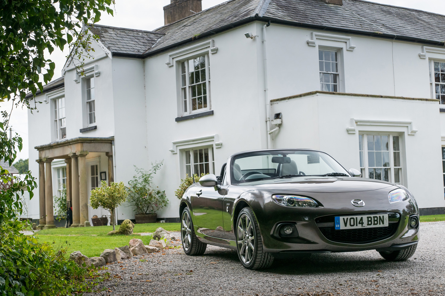 Mazda MX-5 wins Best Cabriolet in 2015 Auto Express Used Car