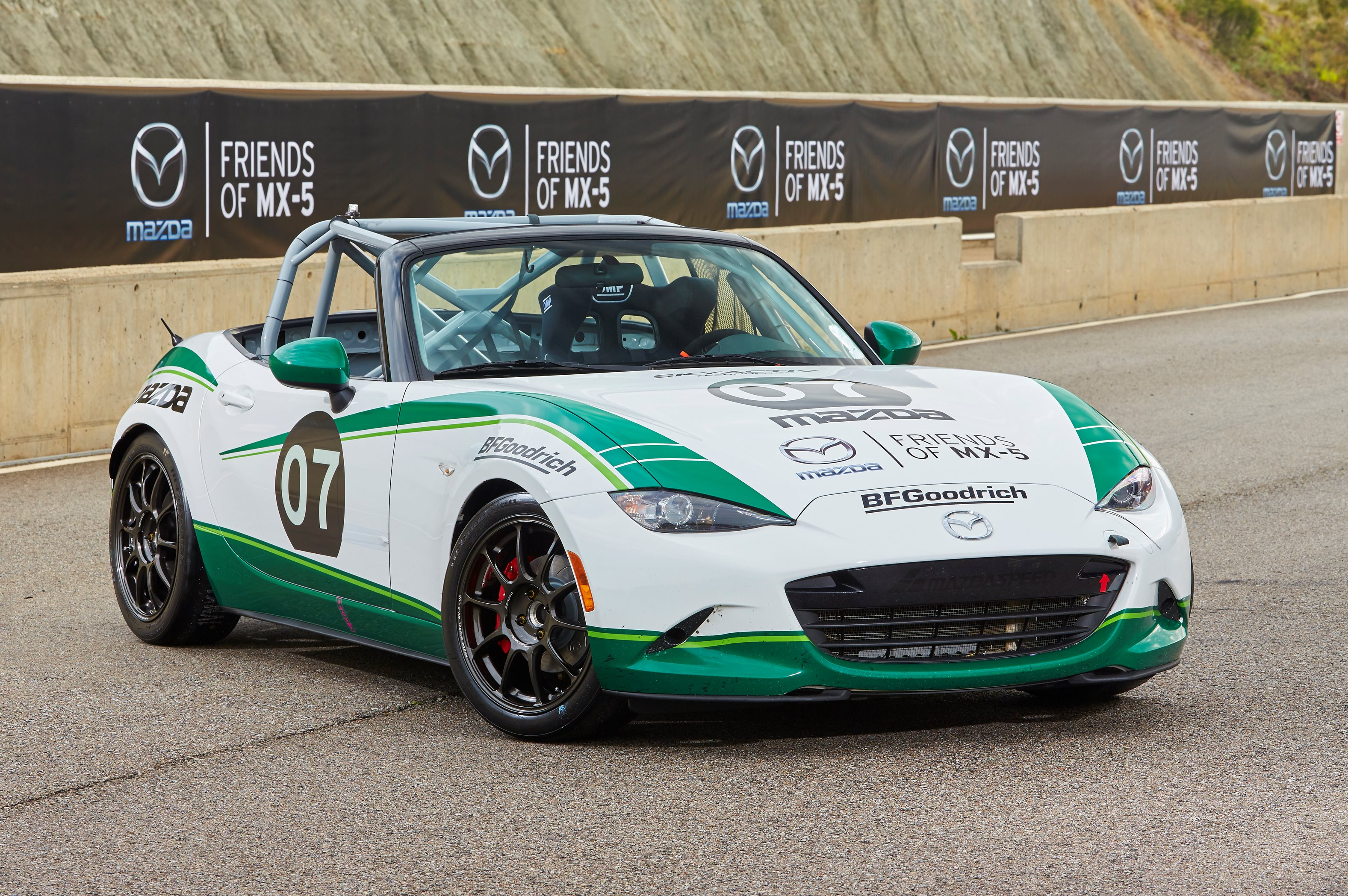 mazda supports uk mx 5 racers with chance to win a drive. Black Bedroom Furniture Sets. Home Design Ideas