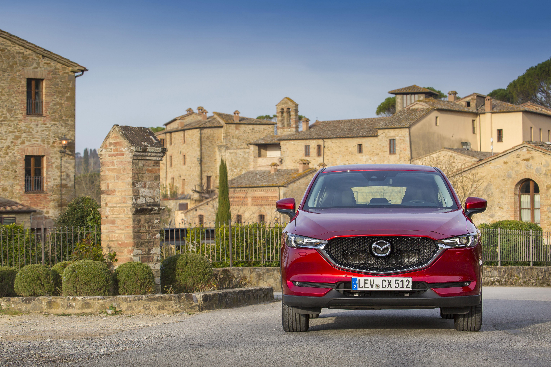 Chief Designer Shinichi Isayama talks about the all-new Mazda CX-5 ...