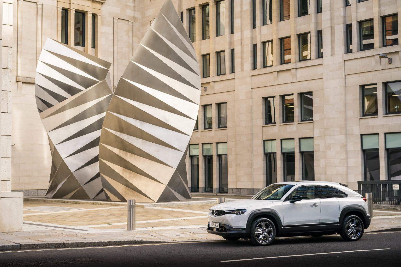 マツダMX-30が「Best Electric Compact SUV」に選ばれる
